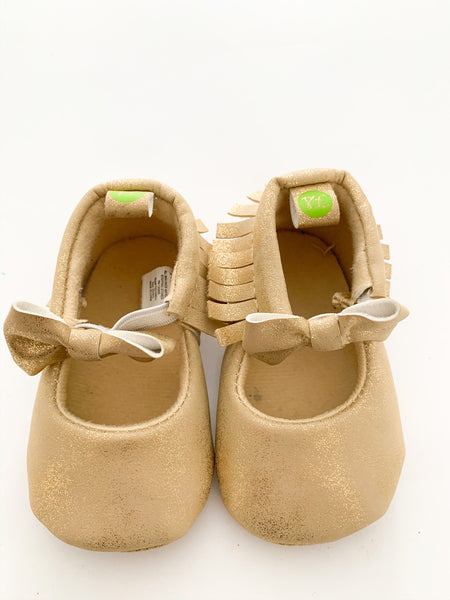 First Steps gold metallic mocs with bows size 2; 3-6 months