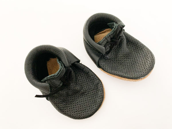 Ulla & Viggo black leather mocs size 3-6 months