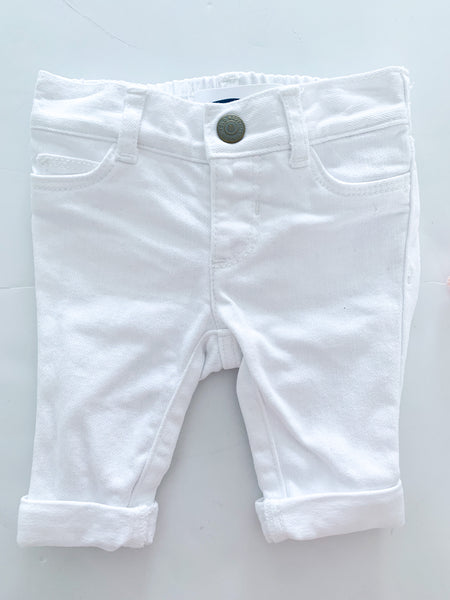 Old navy white boyfriend jeans (0-3 months)