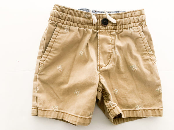 OshKosh B'gosh khaki shorts with shark print shorts size 2T