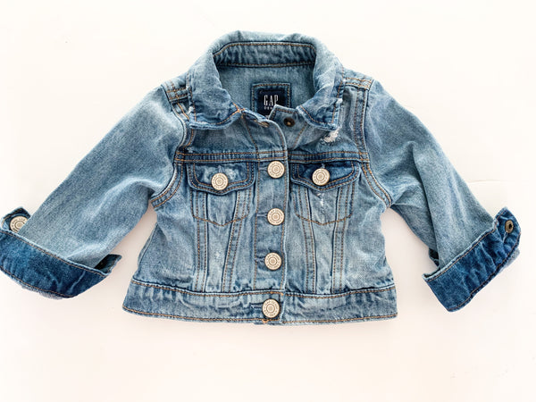 Gap denim jacket w/snaps (12-18 months)