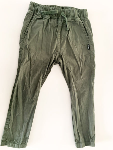 Bonds green pants (size 4)