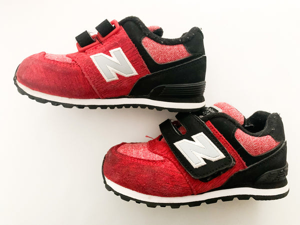 New Balance red & black sneakers with velcro straps size 8