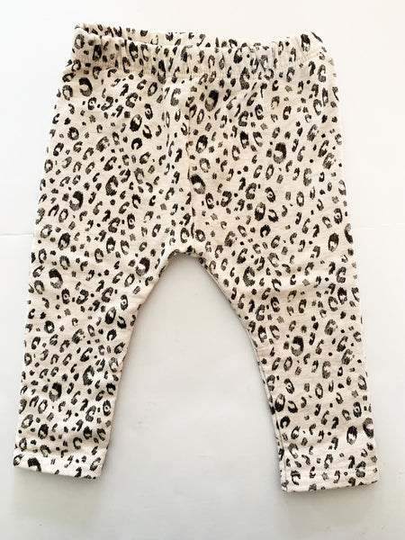 Zara ecru with leopard print leggings size 6-9 months