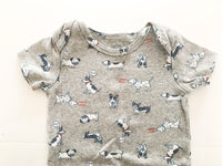 Carters grey onesie w/dog print  (9 months)