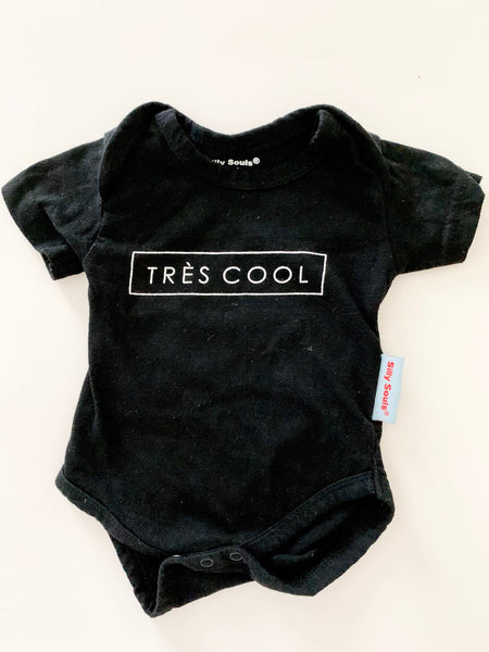 "Silly Souls ""Tres Cool"" short sleeve onesie"