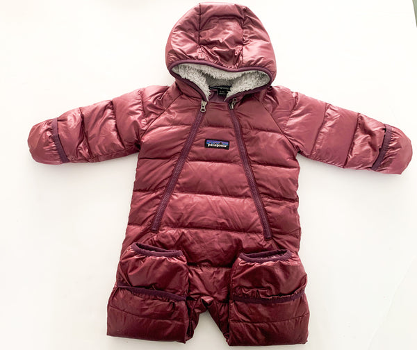 Patagonia infant hi-loft down sweater bunting (0-3 months)