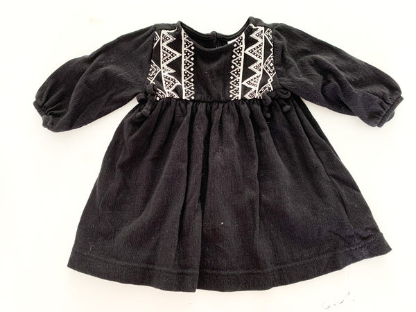 Old navy Aztec print black dress (3-6 months)