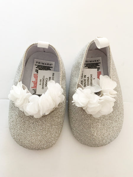 Primark metallic silver ballet flats with tulle straps new with tags size 9-12 months