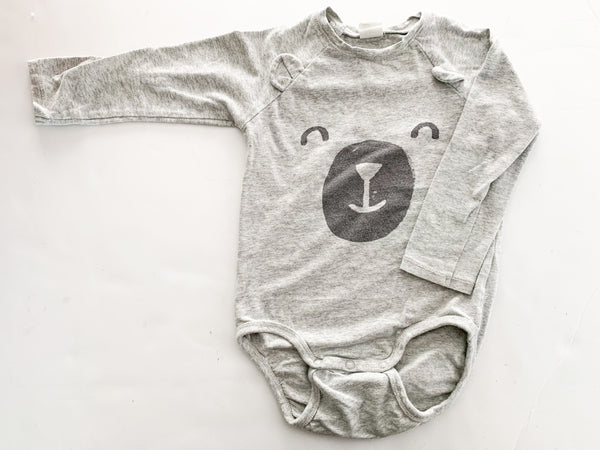 HM grey onesie w/bear face  (12-18 months)