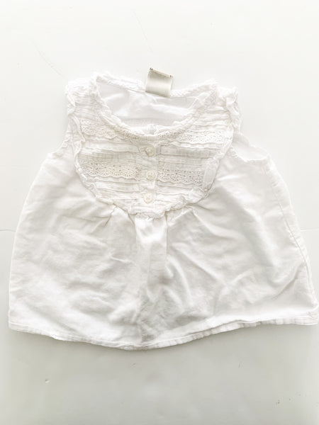 Old navy white tank w/embroidery detail (3-6 months)