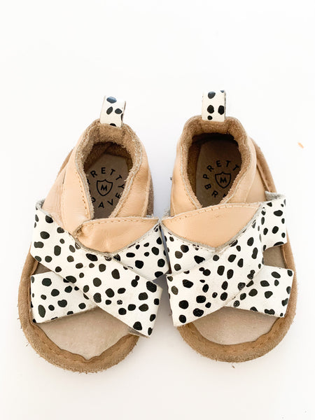Pretty Brave dotted and beige sandals  (medium)