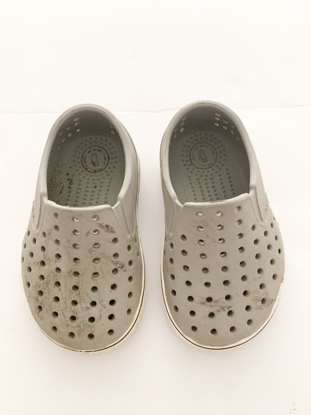 Native grey perforated loafers (size 5)