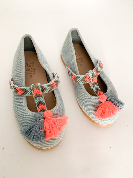 Zara denim t bar shoes w/tassels (size 4.5)