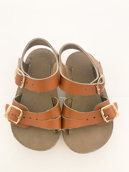 Salt water sandals camel (size 4)