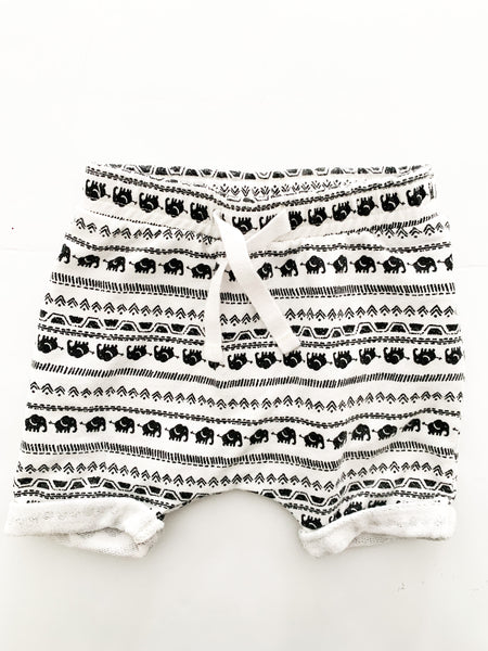 Carter's BW elephant print shorts (3-6 months)