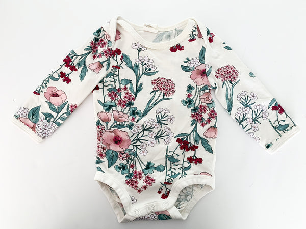 H&M cream with floral long sleeve bodysuit size: 4-6 months