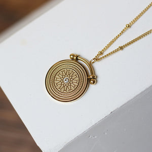 Roman Retro Pendant Necklace