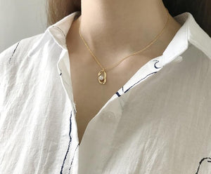 Modern Pearl & Gold Necklace