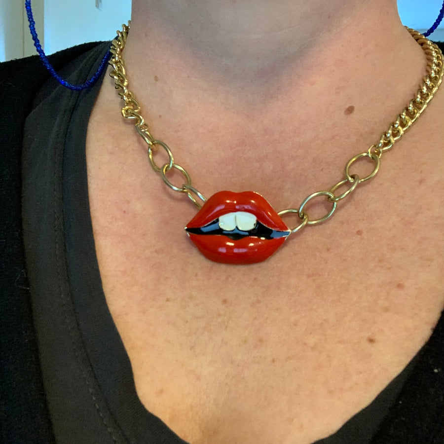 Unique Lady Lips Necklace
