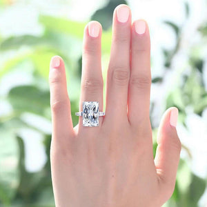Emerald Cut Ring of Serenity™ - Meyala