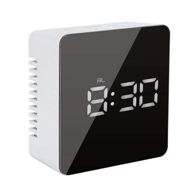 Digital Clocks USB Digital LED Alarm 1 - Sdise