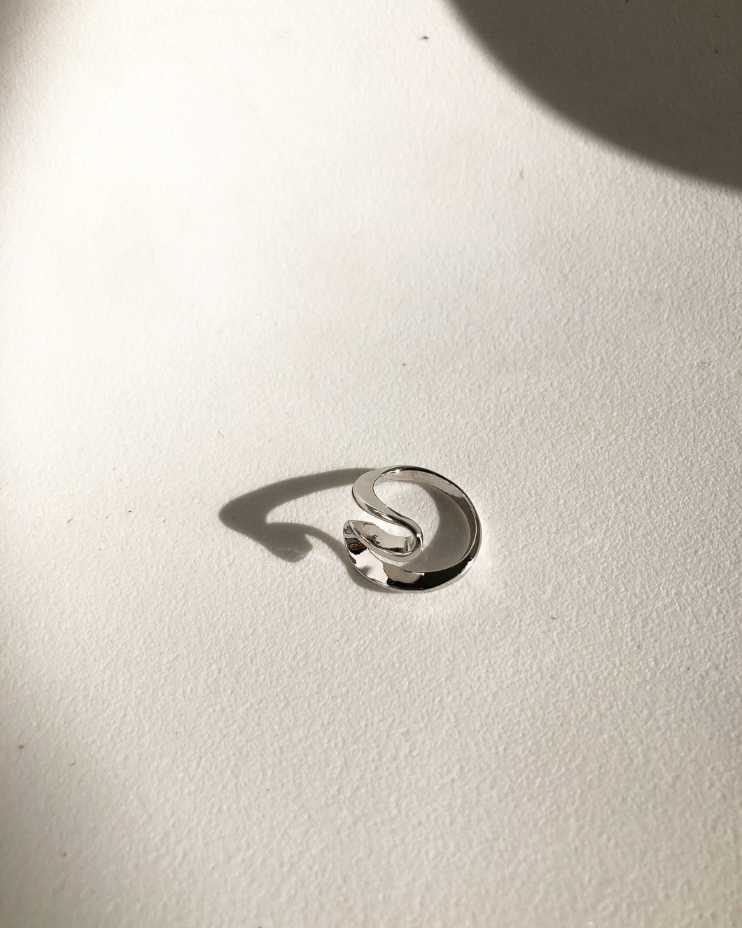 Bonnie Wave Ring In Silver