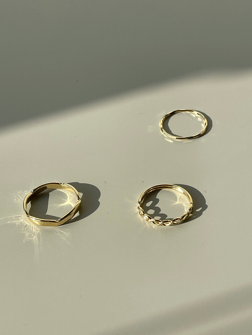Mixed Match Tri Link Rings In Gold