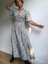 Load image into Gallery viewer, Robin  Floral Maxi Dress
