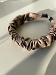 Scrunch Vegan Leather Headband In Deep Taupe