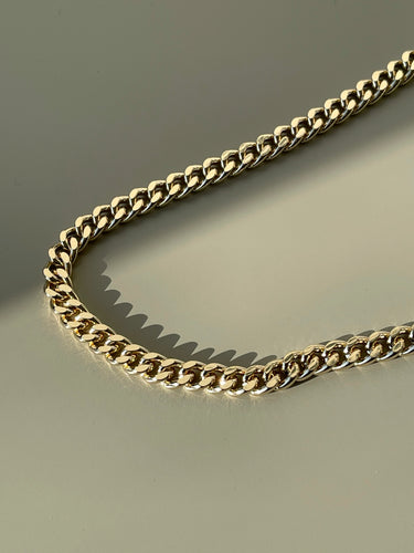 Classic Flat Crum Chain Necklace In Gold