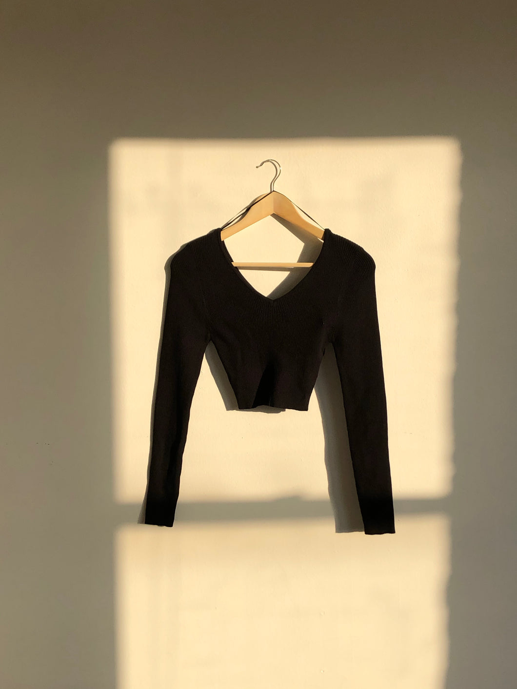 90s Style Long Sleeve Crop Top In Black