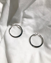 Load image into Gallery viewer, Claire Silver Hoop Earring