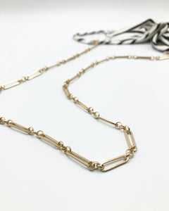 Amy Mask Chain In Matte Gold