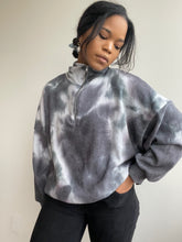 Load image into Gallery viewer, Cassidy Tie-dye Pullover In Ocean Blue