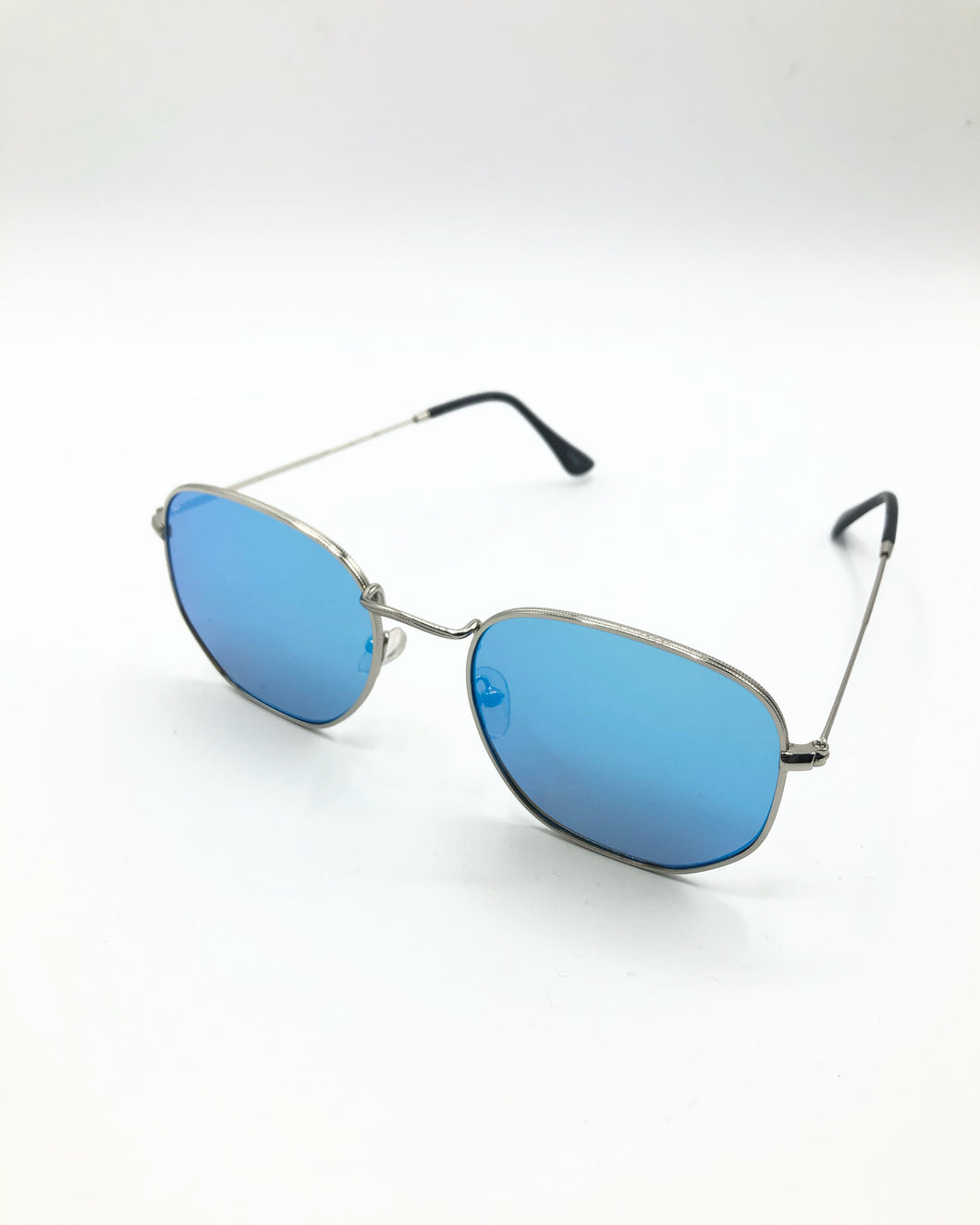 Timea Classic Sunglasses In Sea Blue
