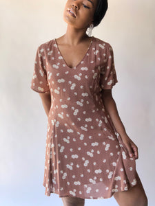 Mina Short Sleeve Floral Day Dress In Taupe