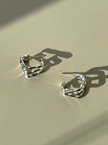 Tri Square Wave Huggie Hoop Earring In Silver