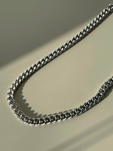 Classic Flat Crum Chain Necklace In Silver