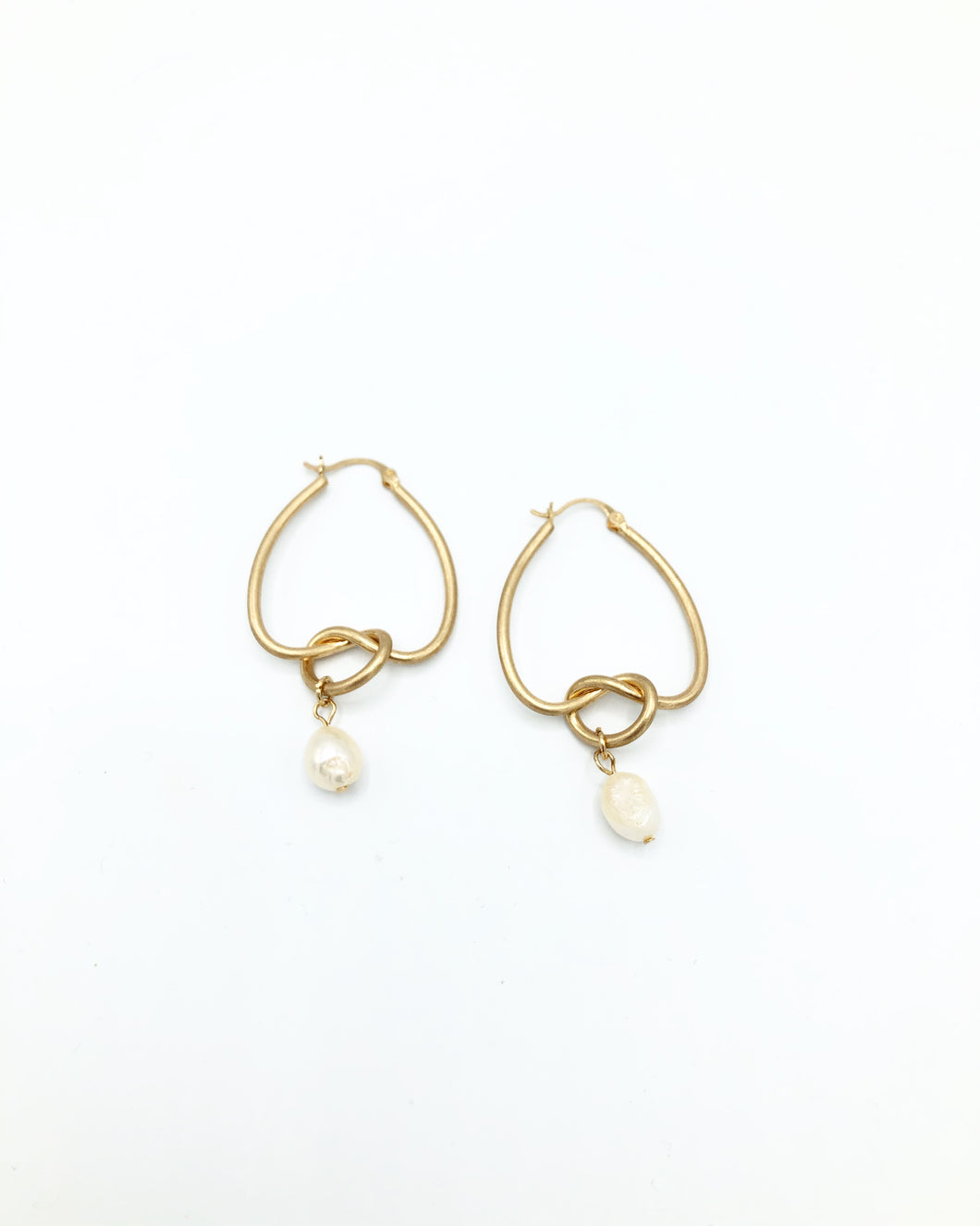 Kaylee Forget Me Knot Freshwater Pearl Drop Earring