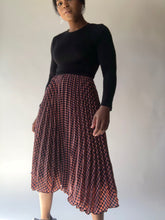Load image into Gallery viewer, Tracy Pleated And Plaid Midi Skirt