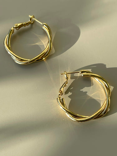 Loose Twist Simi Mini Hoops In Gloss Gold