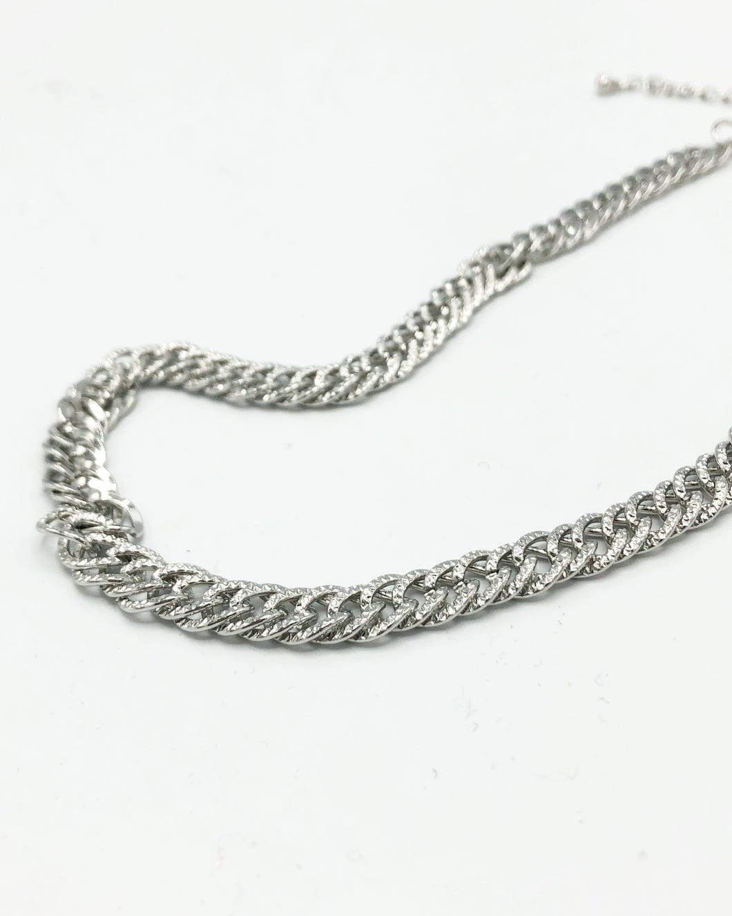Classic Crum Matte Front Necklace In Silver