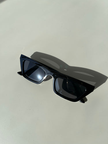 Molly 80s Style Frames In Jet Black