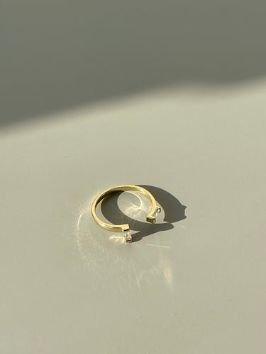 Andy Asymmetrical Classic Open Ended Ring In Gold