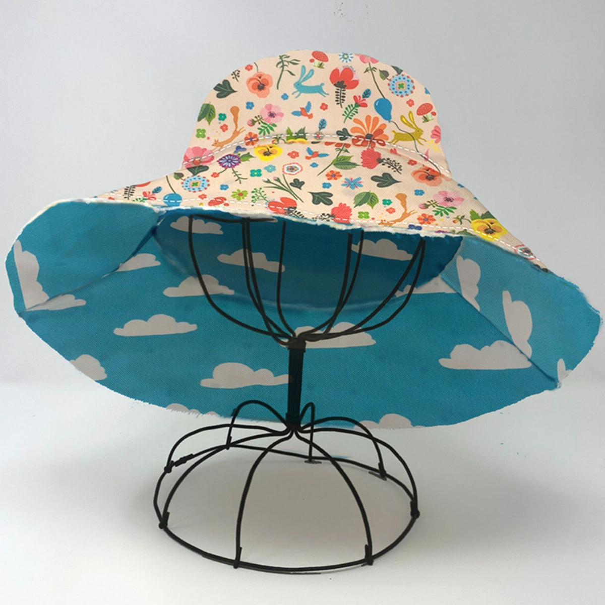 Riviera 1970 Sun Hat - Happy & Clouds