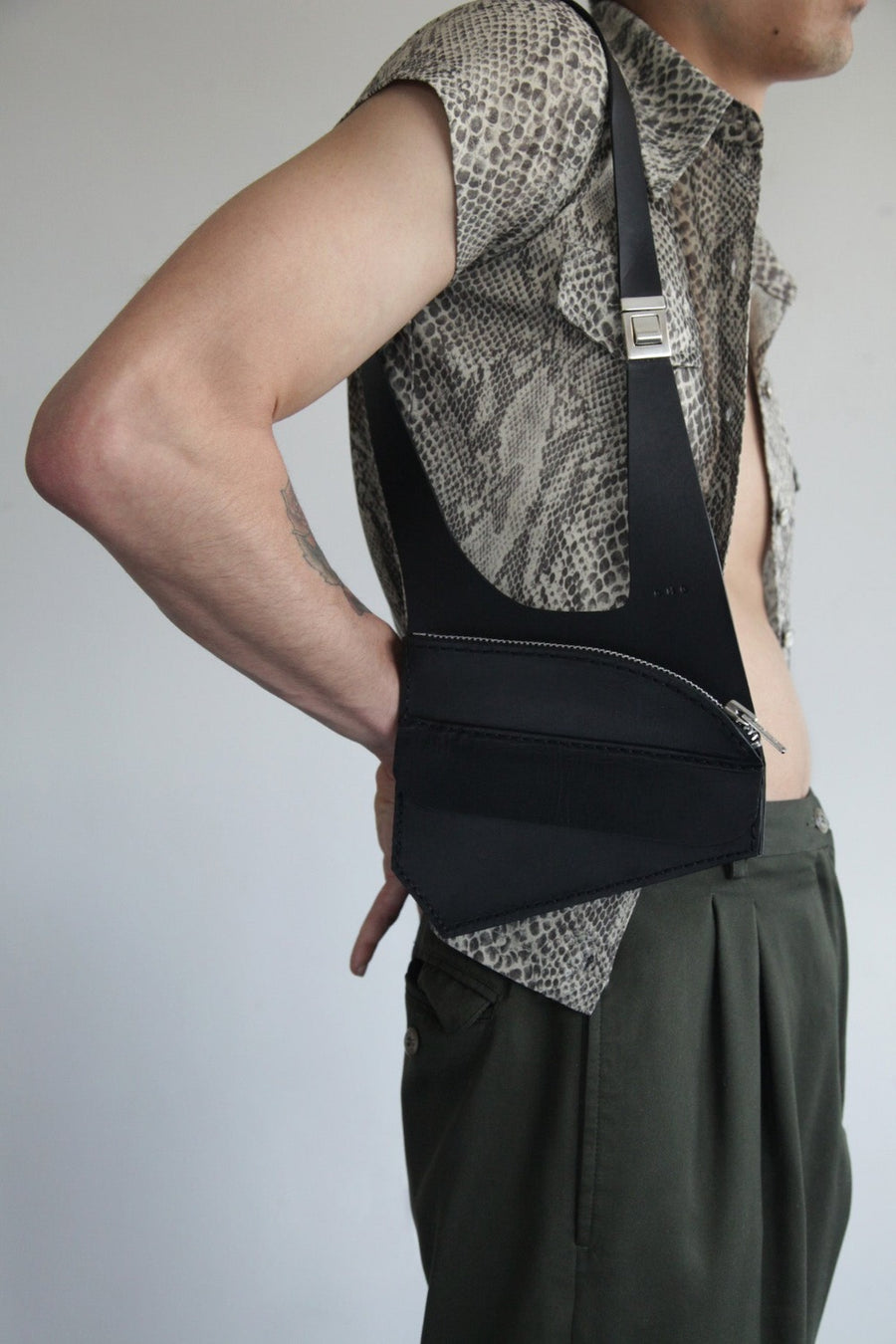 SLOW RELEASE HOLSTER BAG