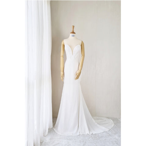 How Should You Decide on a Wedding Dress - Yenny Lee Bridal Couture
