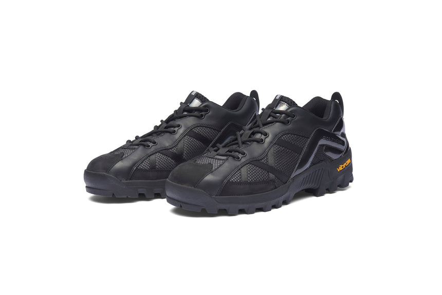 Virtual peak (Black)