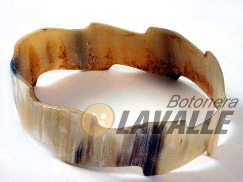 Bangle cow horn edge irregular
